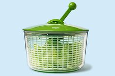 The compact, easy-to-clean Ratchet lettuce spinner has an innovative back-and-forth handle that quickly spin-dries up to 16 cups of lettuce in just a few moves. From @KuhnRikonUSA