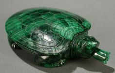 196A: Chinese turtle form malachite snuff bottle. : Lot 196A