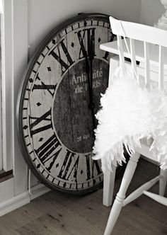 Love clocks like this.