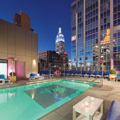 Gansevoort Park Avenue: The Gansevoort's Rooftop Bar features New York City's only indoor-outdoor heated rooftop pool. That's what I call a pool with a VIEW Rooftop Bars Nyc, Rooftop Party, Rooftop Restaurant, Rooftop Pool, Rooftop Lounge, Deck Party, Party Garden, Hotel New York, York Hotels