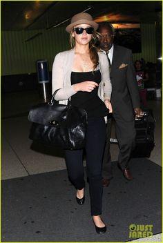 Jennifer Lawrence: Bowler Hat Arrival!