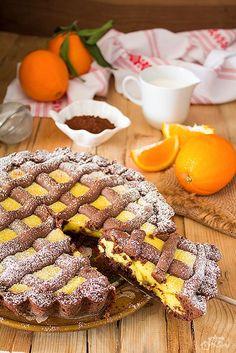 Crostata al cioccolato con crema all'arancia Sweet Recipes, Real Food Recipes, Cake Recipes, Dessert Recipes, Cooking Recipes, Italian Desserts, Italian Recipes, Vegan Kitchen, English Food