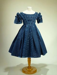 Girl's dress, 1857-67, at the Musée Galliera. Height: 73 cm.
