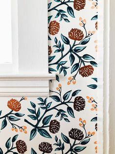 Wallpaper Accent Wall - Rifle Paper Co. x Hygge and West wallpaper - Wildas Wallpaper World Accent Walls In Living Room, Accent Wall Bedroom, Kitchen Accent Walls, Master Bedroom, Trendy Wallpaper, Print Wallpaper, Wallpaper Ideas, Rifle Paper, Hygge And West