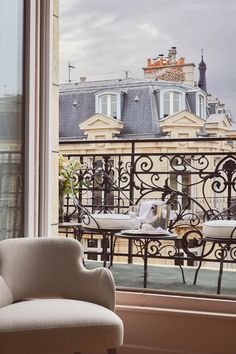 Gallery – Hotel Grand Powers Luxury 5 star hotel Paris Champs Elysees & George V - All About Balcony French Apartment, Parisian Apartment, Paris Apartments, Dream Apartment, Paris Champs Elysees, French Balcony, Balcony Chairs, Paris Home, Balcony Design