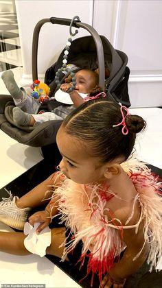 Kim gathers family kids together to celebrate Dream's birthday early - Kim Kardashian gathers family kids together to celebrate niece Dream's third birthday early Cute Little Baby, Cute Baby Girl, Cute Babies, Dream Kardashian, Kardashian Jenner, Cute Family, Family Kids, Jenner Kids, Kylie Jenner Pictures