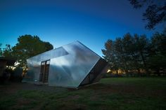 "Australian architects, Nervegna Reed Architecture and PH Architects have teamed up to create the Arrow Studio, a private art gallery whose unique design was inspired by the ""reflective vortex"" of the Australian landscape."