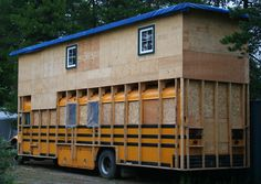 and people ask if my bus is too heavy. School Bus Tiny House, School Bus Camper, Rv Bus, Bus Living, Tiny House Living, Casas Trailer, Funny Photo Captions, Funny Photos, Off Grid