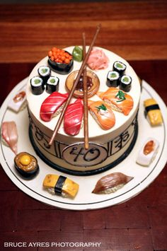 Sushi-Geburtstagstorte - Cakes of all kinds, for every reason - Torten Rezepte Crazy Cakes, Fancy Cakes, Pink Cakes, Pretty Cakes, Cute Cakes, Sushi Cake, Sushi Cupcakes, Dessert Sushi, Realistic Cakes