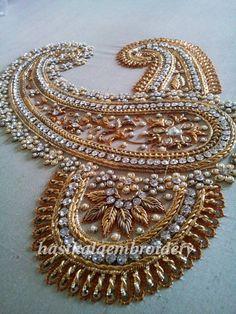 design Zardosi Embroidery, Bead Embroidery Patterns, Embroidery Suits Design, Hand Work Embroidery, Couture Embroidery, Indian Embroidery, Bead Embroidery Jewelry, Gold Embroidery, Embroidery Fashion