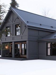 Steel house designs are charming and cozy. These beautiful homes can be absolute… Steel house designs are charming and cozy. These beautiful homes can be absolutely unique and built very fast due to modern technology. Exterior House Colors, Exterior Design, Black House Exterior, Style At Home, Casas Containers, Modern Farmhouse Exterior, Farmhouse Decor, Farmhouse Windows, Farmhouse Ideas