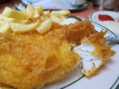 Top 10 places to eat fish and chips in London London Fish And Chips, Best Fish And Chips, London Dreams, Fish And Chip Shop, Fish And Chicken, London Restaurants, Best Breakfast, Places To Eat, Food Photo