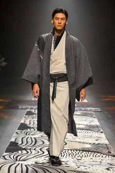 How to wear traditional kimono differently ! kimono and haori for men, japanese fashion.
