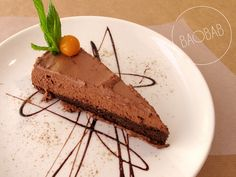 4 palabras cargadas de placer: tarta mousse de chocolate http://restaurantebaobab.com/menu-mayo-2016.html#3 #Menú #Baobab #Vegetariano #Zaragoza