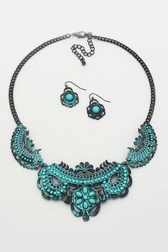 Love this Necklace and Earrings - love the aged look.
