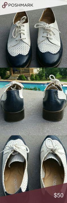AEROSOLS TUXEDO STYLE LEATHER SHOES AEROSOLS TUXEDO STYLE LEATHER SHOES  NAVY AND WHITE  SOFT INSOLE  WORN A COUPLE TIMES Aerosoles Shoes
