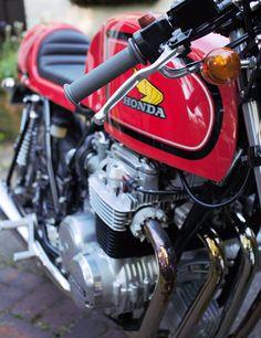 Honda RC03 Cafe Racer detail