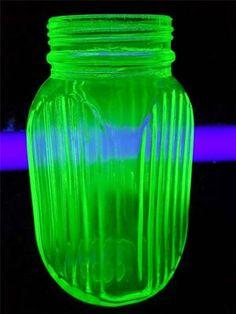 "RARE Vaseline Uranium Depression Green Glass Large Salt or Pepper Shaker 5""   eBay"