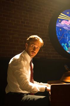 Emma Stone and Ryan Gosling Are the Perfect Pair in La La Land's Gorgeous Trailer