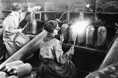 First World War in pictures: 100 astonishing Daily Mirror archive photos showing reality of war - Mirror Online