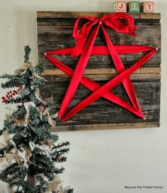 Home Made Modern: Craft of the Week: 2 Rustic Christmas Stars