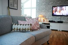 Soffa Love Seat, Couch, Interior, Inspiration, Furniture, Home Decor, Indoor, Homemade Home Decor, Decoration Home