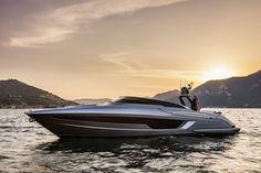 """Yacht Consult bvba, met hoofdkantoor in Mechelen, is naast jachtmakelaar nu ook de nieuwe exclusieve dealer van Ferretti Group in de Benelux. """"Wij zijn zeer verheugd en trots om de mooiste Italiaanse merken ter wereld te mogen vertegenwoordigen waaronder Ferretti Yachts, Riva en Pershing . Ferretti Group heeft een zeer breed assortiment met jachten van acht tot vijftig meter"""", aldus Pieter van de Meene Sales Manager Yacht Consult Nederland. Ferretti Group is de wereldleider in het ontwerpen…"""