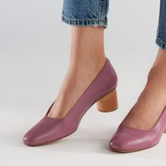 Leather Heels, Tan Leather, Lavander, Vegetable Tanned Leather, Pumps, How To Wear, Shoes, Fashion, Moda