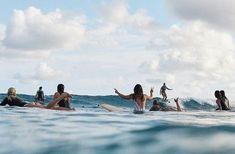 Découvrez et partagez les plus belles images au monde Summer Surf, Summer Vibes, Photo Surf, Surfing Pictures, Beach Pictures, Foto Instagram, Sea Waves, Beach Fun, Print Pictures
