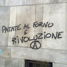 Foto e immagini di Scritte Sui Muri | Ricette - Pubblicato in: Politica, Saggezza popolare - Autore: Nazzilla - Data: 17 novembre 2015 Wall Quotes, Words Quotes, Brick In The Wall, The Way I Feel, Star Wall, Funny Art, Wonderwall, Urban Art, Happy Life