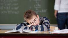 Studie: Wer länger schläft, ist ein besserer Schüler - kurier.at