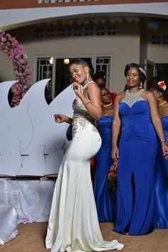 African Attire, African Wear, African Fashion Dresses, African Women, African Dress, African Traditional Wear, Conservative Outfits, Nigerian Bride, Kente Styles