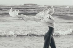 Al drie keer eerder werd Playmate Marisa Papen van Instagram afgeslingerd, maar iedere keer kwam ze snoeihard terug en…