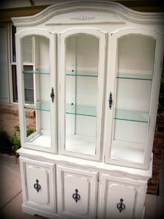 Wonderful Broyhill White Shabby Chic China Cabinet by a2ndlife, $475.00