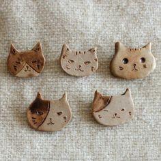 Ceramic Necklace, Ceramic Jewelry, Ceramic Clay, Clay Jewelry, Cat Crafts, Diy Arts And Crafts, Clay Cats, Ceramic Animals, Slab Pottery