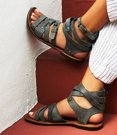 would really like to know where to purchase these great sandals