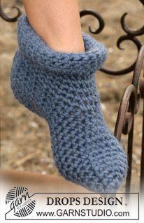 DROPS Crochet slippers in Eskimo