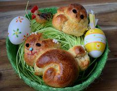 Gudrun's daily kitchen- Homemade Yeast Dough Easter Chick and Easter Bunny Easter Chick, Easter Bunny, Homemade Desserts, Homemade Food, Gudrun, Breakfast, Kitchen, Easter Activities, Amazing