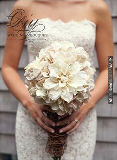 Love this diy wedding bouquet! | VIA #WEDDINGPINS.NET