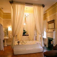 America's Best Bed and Breakfasts: The Gastonian; Savannah, GA
