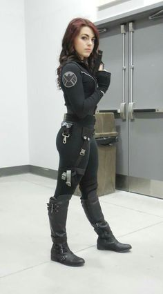 sherlocked-insidethetardis:  My second cosplay. Natasha Romanoff - Black Widow