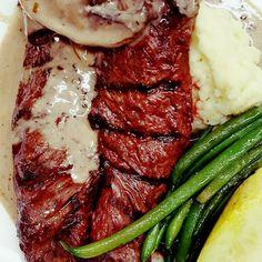 #wreats #cbridge #wrawesome #grilled #meat #beef #local #ontariobeef #restaurants #bistros #cafes #portwine #sauce #juisy #delicious #sucullant #cooking #kitchen #cooks #restaurant #dinner #tuesdaynight #hangersteak #hungry #elixirbistro