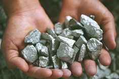 RDC : Le niobium du Kivu, minerai rare, plus cher que le Coltan Brazil, Stones, Stone Crafts, Wealth, Engineer, Slums, Virgos, Rocks, Rock
