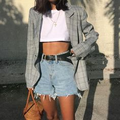 44 Inspiring Women Jeans Ideas Trends 2018 - How To Be Trendy Look Fashion, Autumn Fashion, Fashion Outfits, Fashion Trends, Blazer Fashion, Street Style Fashion, Feminine Fashion, Fashion Pics, Hipster Fashion