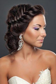 coiffure mariage tresse latéral cheveux bouclés