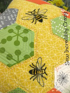 Sew Incredibly Crazy: Honeycomb Pillow Finish