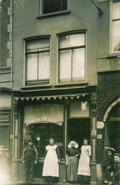 Schoenenmagazijn J.M.Kouwer Lange Hezelstraat 88