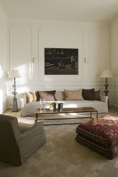Gorgeous living room by Belgian interior architects Daphné Daskal and Stéphanie Laperre. Photography by Jan Verlinde.
