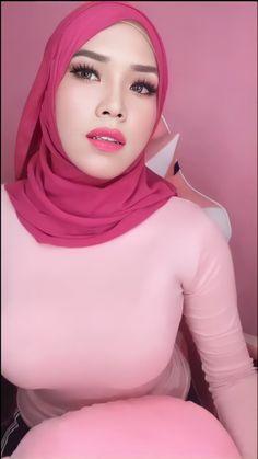 Beautiful Arab Women, Beautiful Hijab, Beautiful Asian Girls, Girl Hijab, Muslim Women, Hijab Fashion, Sexy Women, Curvy, Lady