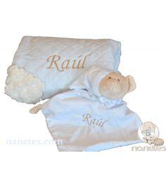Mantita y dou dou personalizados con el nombre del bebé, en nanetes.com